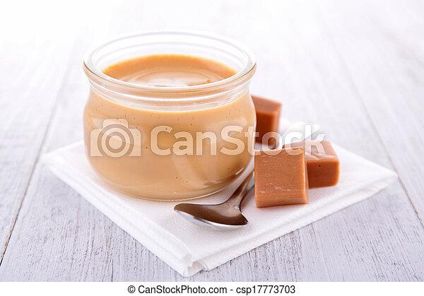 Caramel Sahne Dessert. - csp17773703