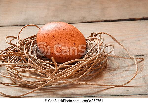 Eier in einem Nest. - csp34362761