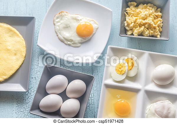 Eine Vielzahl von Eierspeisen - csp51971428