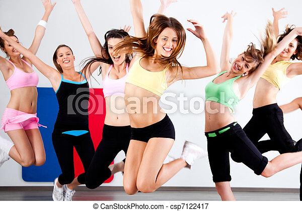 Enthusiastische Gruppe von Frauen, die Spaß haben - csp7122417