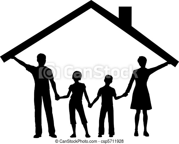 Familie unter Haus hält Hausdach über Kindern - csp5711928