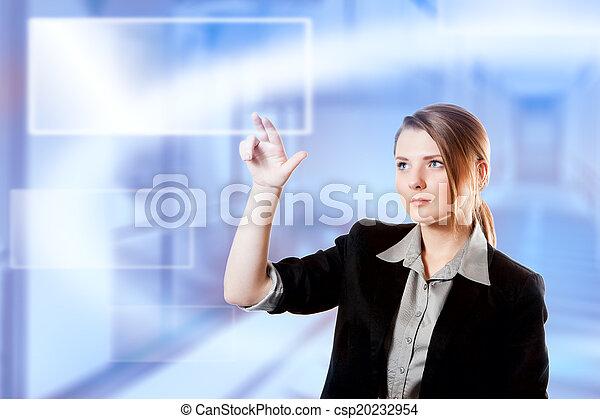 Businesswoman Finger berühren Tastatur digitales Lichtbildschirm - csp20232954