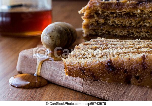 honig, kuchen, karamell, cream., walnuß - csp65743576