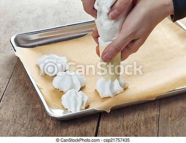 Ich mache Kekse. - csp21757435