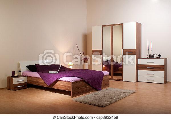Im Schlafzimmer - csp3932459