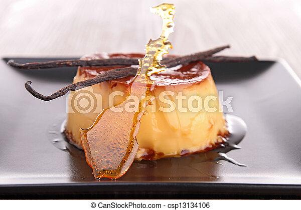 Karamell-Dessert - csp13134106