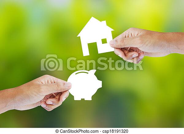 Piggy Bank und Hausform - csp18191320