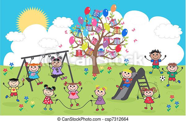 Gemischte ethnische glückliche Kinder - csp7312664
